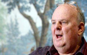 Australian literary giant Les Murray dies