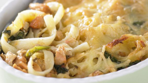 Salmon and spinach pasta bake