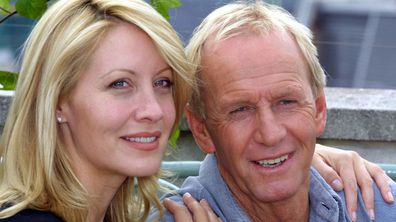 Paul Hogan with his co-star wife Linda Kozlowski in 2001. (AAP)
