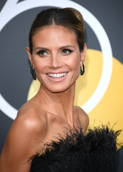 Looking like she just stepped off the beach in the Bahamas, model Heidi Klum is rocking a flawless bronzed glow. The good news is, it's easy to fake.
