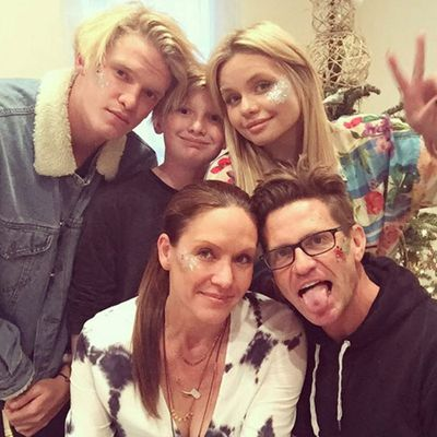 "<p>Mum: Angie Simpson</p><p>Children: Singer Cody and model/actress Alli Simpson</p><p>Twitter followers: 2437. Instagram followers: 130k (yes, for real)</p><p>Twitter handle: <strong><a href=""http://twitter.com/angiemsimpson"">@AngieMSimpson</a></strong>. Instagram: <a href=""http://www.instagram.com/angiesimpson5/""><strong>angiesimpson5</strong></a></p>"
