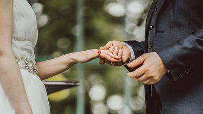 Groom defends math-themed wedding after online backlash
