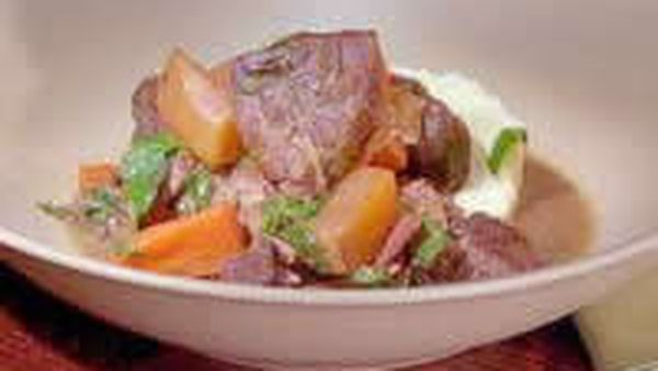 Braised beef with turnips and mint