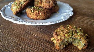 <strong>Pistachio cookies</strong>