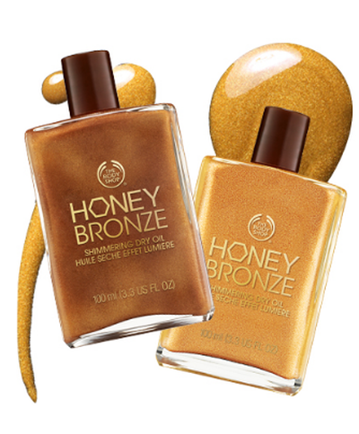 "<a href=""http://www.thebodyshop.com.au/bath-and-body/beautifying-oil/honey-bronze-shimmering-dry-oil#.WNM0Sc996Uk"" target=""_blank"">The Body Shop Honey Bronze Shimmering Dry Oil, $32.95</a>"