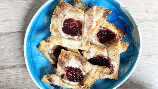 Cheat's four ingredients puff pastry Danish
