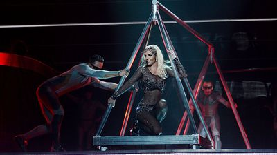 <p>Britney Spears' <em>Oops!... I Did It Again</em>: 1.31 million copies in the US</p>