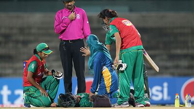 Khan collapsed to the ground with her batting partner immediately signalling for assistance.