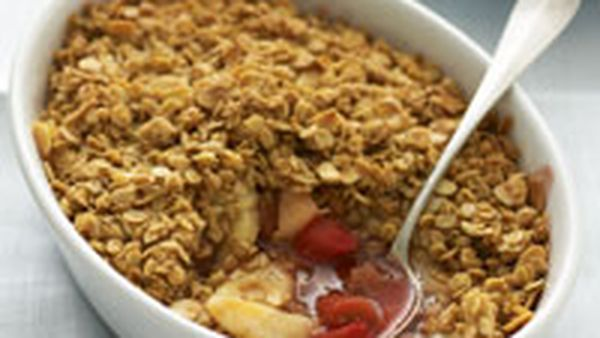 Pear and rhubarb crumble with almond and oat topping