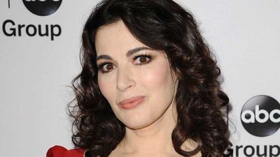 "<strong>Earlier this week: <a href=""https://kitchen.nine.com.au/2017/12/13/10/26/nigella-lawson-is-killing-christmas-guests-with-salt"" target=""_top"">Nigella Lawson tried to kill us all with salt for Christmas</a></strong>"