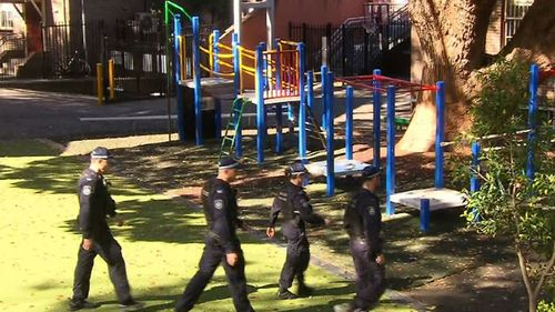 School placed into lockdown in Darlinghurst.