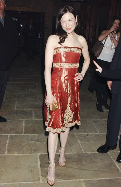 Renée Zellweger in Marchesa at the London premiere of <em>Bridget Jones: The Edge Of Reason&nbsp;</em>in 2004
