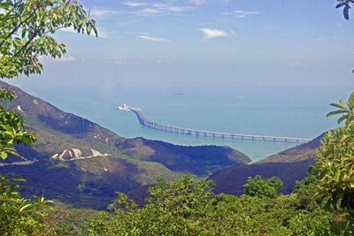 <strong>Hong Kong-Zhuhai-Macau bridge, China</strong>