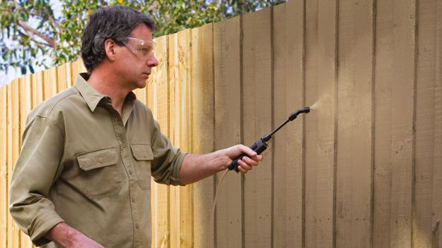 Painting your fence with Dulux Sprayfast