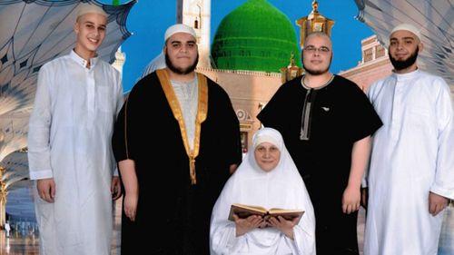 Jilted ISIL bride blocks 'too fat' jihadi on Facebook