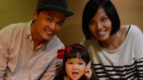 Nee Ta with his wife Ish and daughter Jaime.