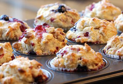 Berries and quinoa muffins