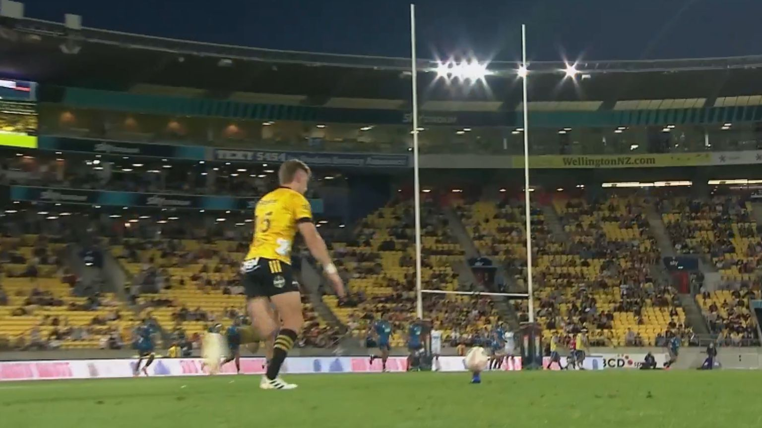Blues beat Hurricanes in Super Rugby Aotearoa after bizarre decision robs Jordie Barrett