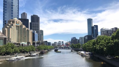 Plenty of blue sky and sunshine in the heart of Melbourne this afternoon. (Sean Davidson)