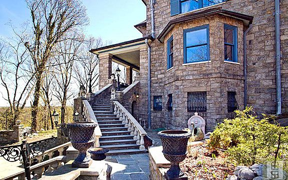 The outside of the New York mansion built for the second coming of Jesus. (Halstead Property)