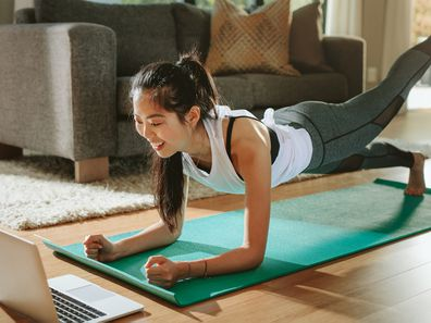 Coronavirus 10 Free Online Exercise Classes You Can Join To Stay Active When Self Isolating And Social Distancing At Home Home Workout Tips 9coach