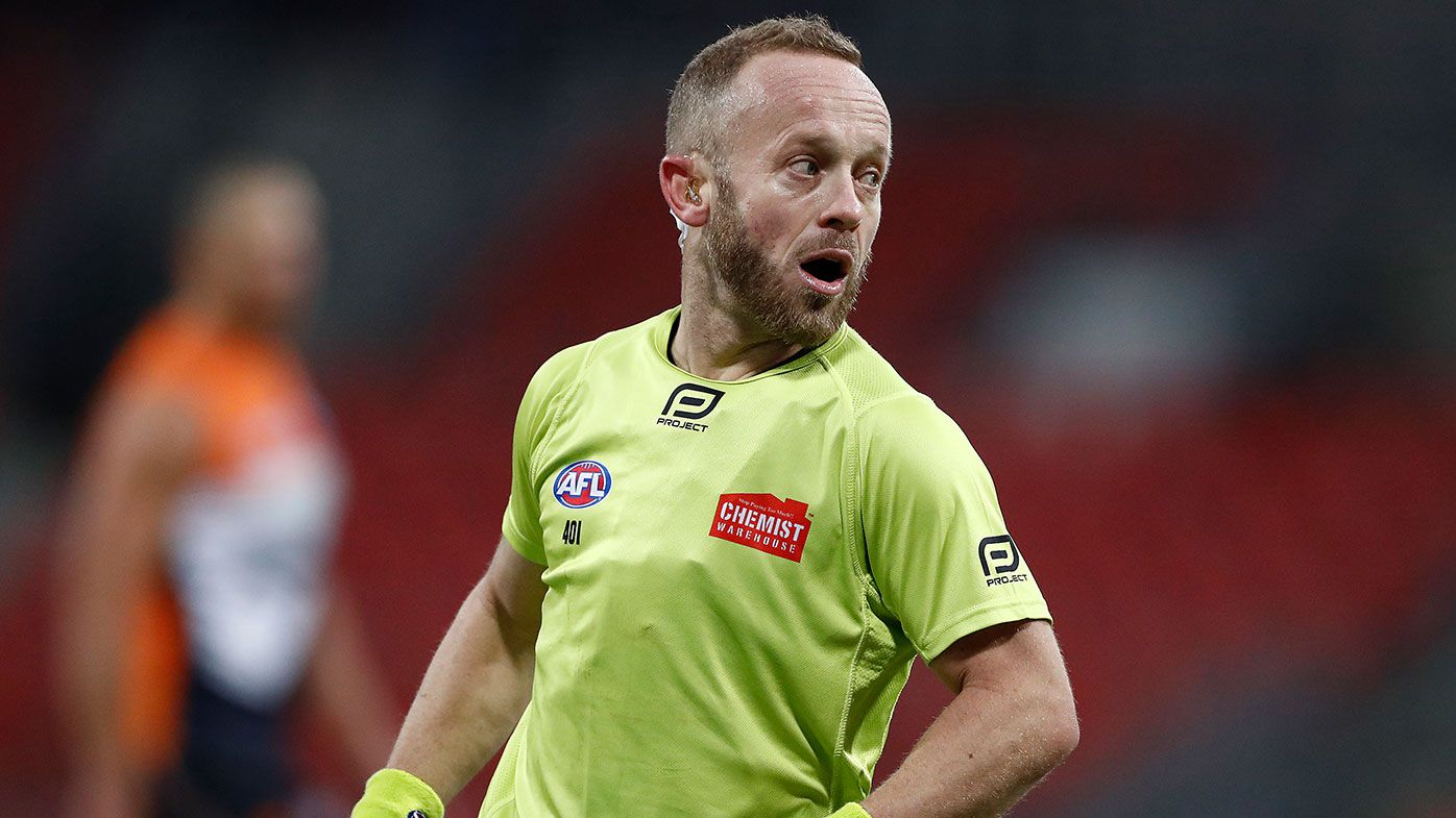 AFL umpire Ray Chamberlain defends free kick count in Geelong-Collingwood clash
