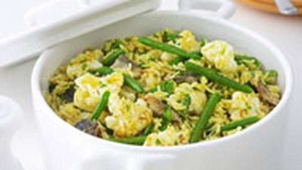 Kipper and cauliflower pilaf