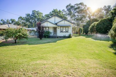 <strong>38 Murray Street, Tooleybuc, NSW: $215,000</strong>