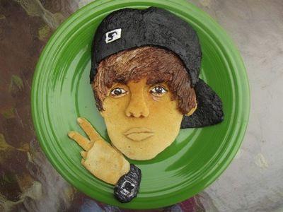 We're liking the colour detail of <b>Justin Bieber</b>'s pancake face!