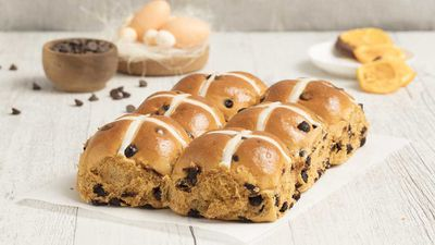 "<p><strong><a href=""https://www.brumbys.com.au/"" target=""_top"" draggable=""false"">Brumby's Bakery</a></strong> stores across the nation will donate 25c from every six pack of their hot cross buns sold between 1 to 17 April to The Smith Family.</p> <p>RRP - ½ dozen $8.50&nbsp;</p>"