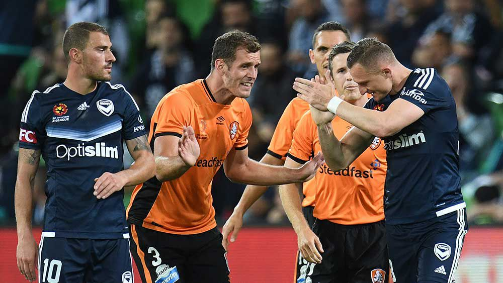 Besart Berisha (right) is sent off after an altercation with Luke DeVere. (AAP)