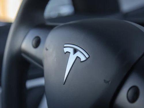 Tesla slashes workforce by 7 per cent and ends referral program