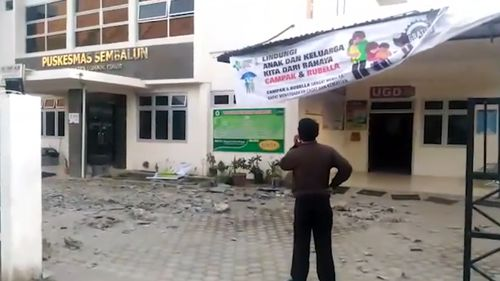 Buildings in Lombok aren't allowed to exceed the height of coconut trees. Picture: 9NEWS