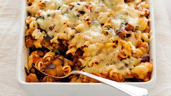 Dietician-designed vegetable pasta bake