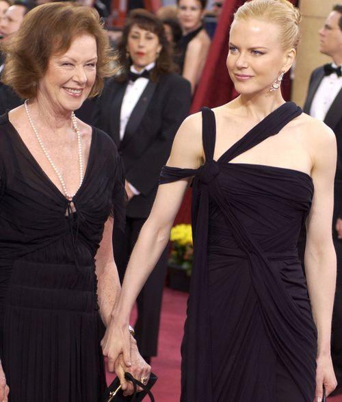Nicole and Janelle Kidman in 2003. (AAP)