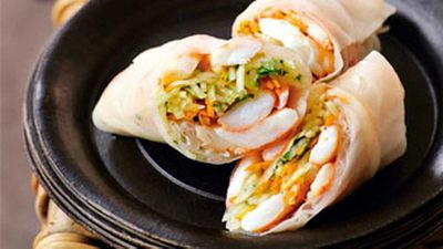 "<strong><a href=""http://kitchen.nine.com.au/2016/05/19/13/06/prawn-green-papaya-rice-paper-rolls"" target=""_top"" draggable=""false"">Prawn &amp; green papaya rice paper rolls </a>recipe</strong>"