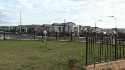 Rows of project houses are being built in the north west. Picture: 9NEWS