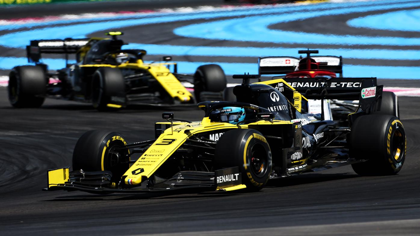 Daniel Ricciardo's bold final-lap move at French Grand Prix draws penalty