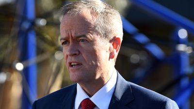Bill Shorten vows to restore penalty rates
