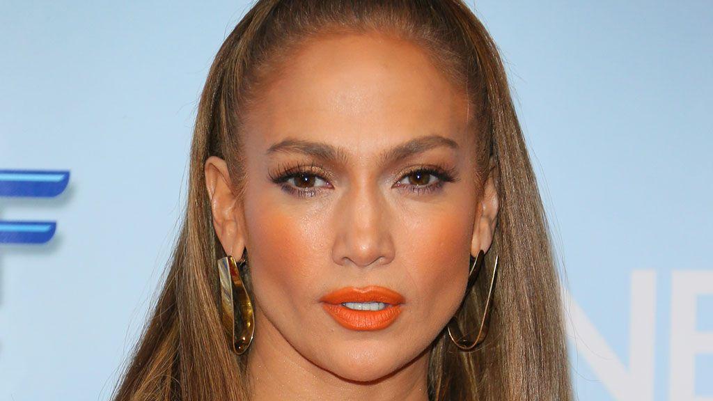 Jennifer Lopez to release her own bronzer