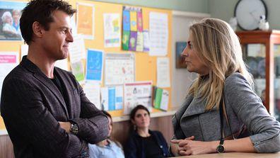 Rodger Corser as Hugh and Kate Jenkinson as Tara in Doctor Doctor Season 4 Episode 1