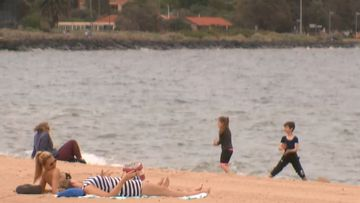 Hundreds of Victorians hospitalised for severe sunburn