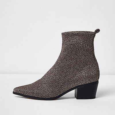 """<a draggable=""""false"""" href=""""http://au.riverisland.com/women/shoes--boots/boots/gold-lurex-glitter-boots-697062"""" target=""""_blank"""">River Island </a>gold lurex boots, $100"""