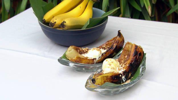 Barbecued banana split