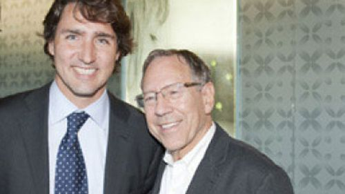 Former Justice Minister Irwin Cotler (right) with Canadian Prime Minister Justin Trudeau. (Canadian Jewish News)
