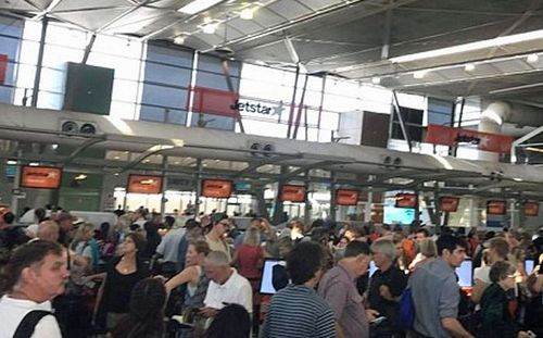 Jetstar system outage causes flight delays