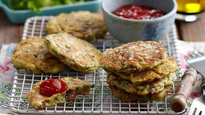 """<a href=""""http://kitchen.nine.com.au/2016/05/13/12/54/lamb-fritters-for-760"""" target=""""_top"""">Lamb fritters</a>"""