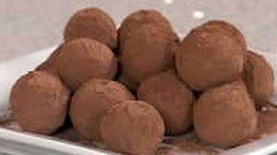 "<a href=""http://kitchen.nine.com.au/2016/05/18/11/51/after-dinner-mint-truffles"" target=""_top"">After Dinner Mint Truffles</a>"