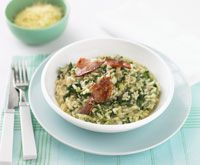 Spinach risotto with crisp pancetta