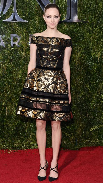 <p>Amanda Seyfriend in Oscar de la Renta at the Tony Awards.</p>